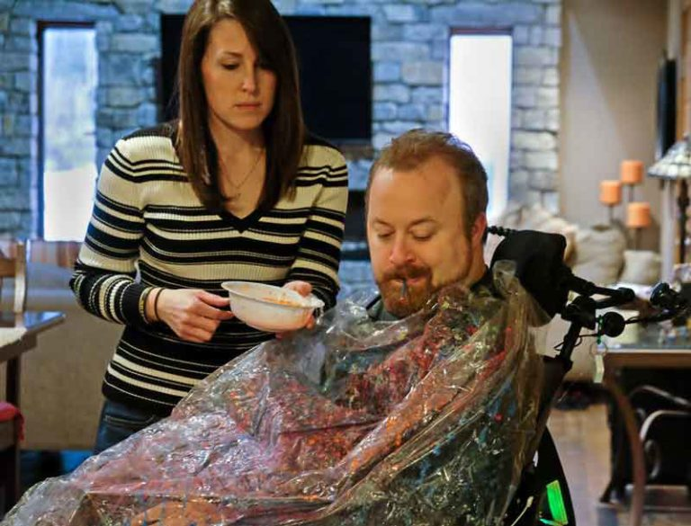 No Limits: Paralyzed man motivates others with wheelchair art