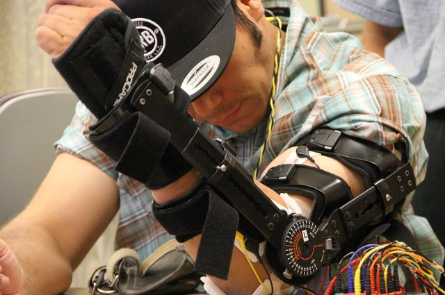 Experimental implant shows promise for restoring voluntary movement after spinal cord injury